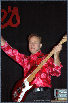 Producer/Bassist Roscoe Beck